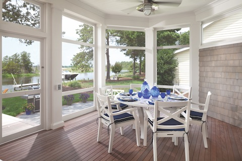 Glassed_in_dining_porch