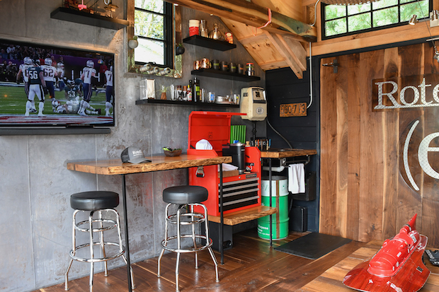 He_shed_interior