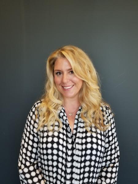 Sarah Kahn Turner Headshot