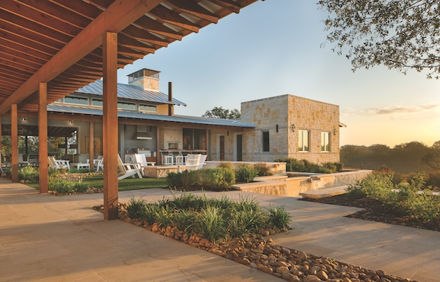 Deep_porches_on_Texas_ranch_house